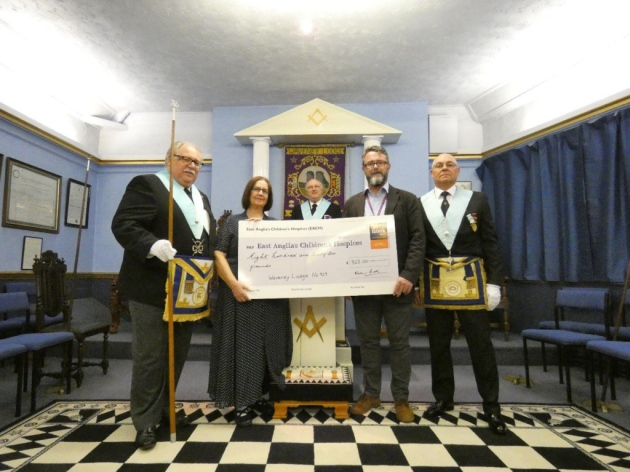 Freemasons donate to children's hospice appeal