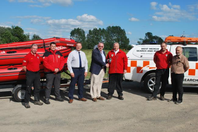 Freemasons buy new radios for Search and Rescue team
