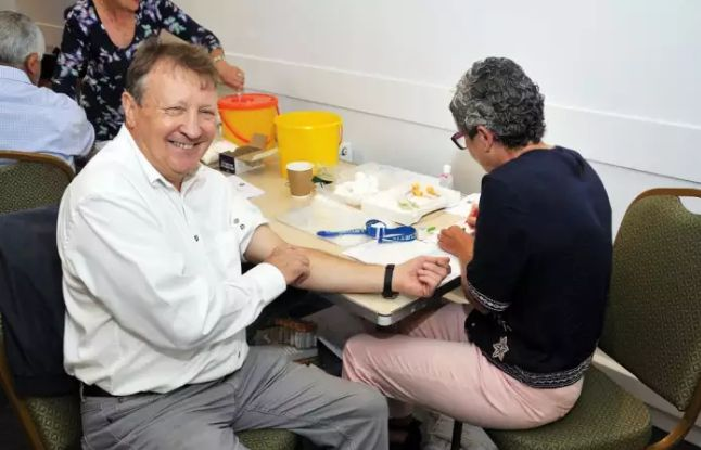 UK: Bucks Freemasons provide 'lifesaving' blood test to more than 170 Milton Keynes men