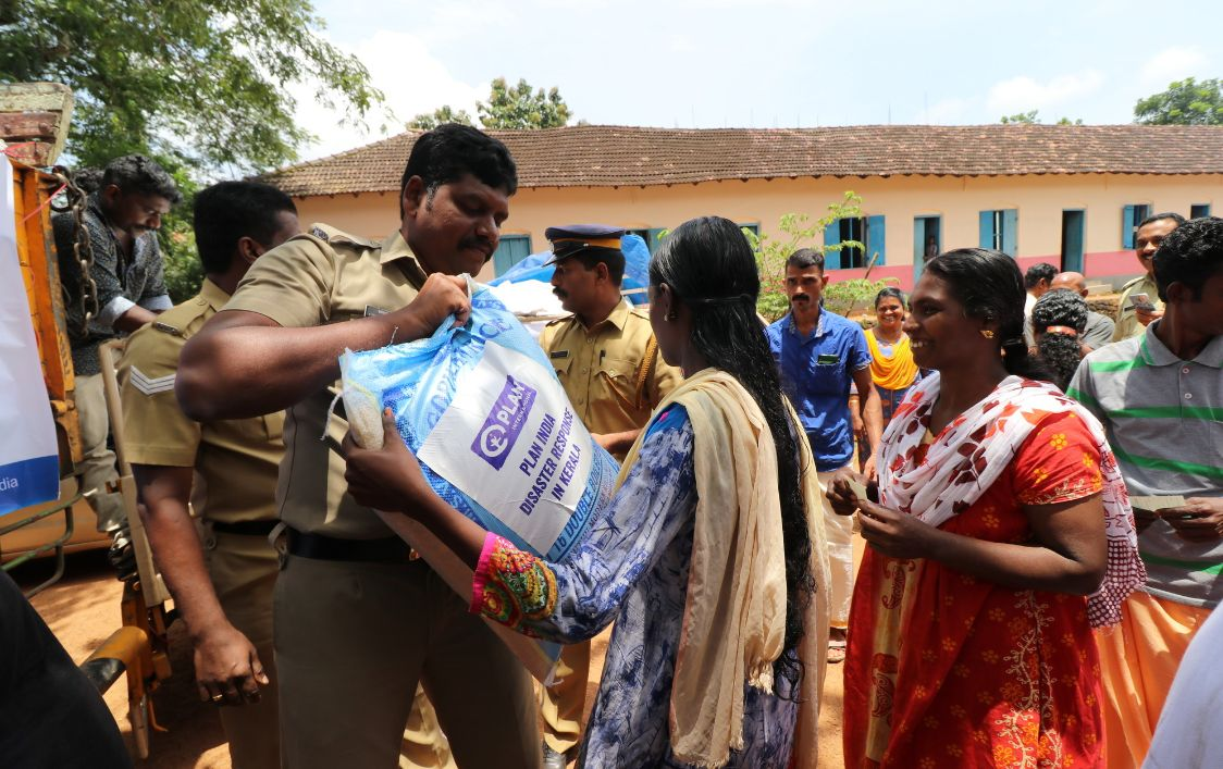 England: Richmond Freemasons help flood victims in India