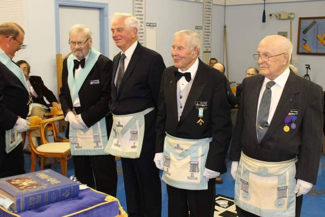 Canada - Clarenville Freemasons recognized for many years of service