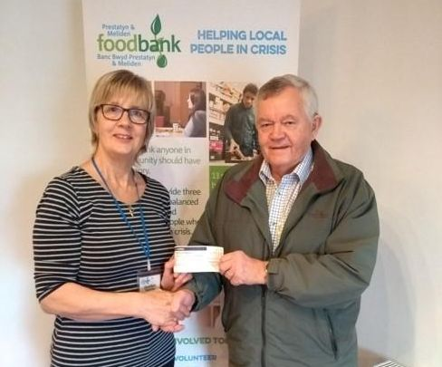 Freemasons present £400 to Prestatyn food bank