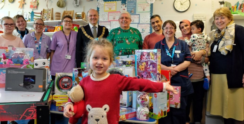 England - Freemasons deliver toys to Royal Berkshire Hospital