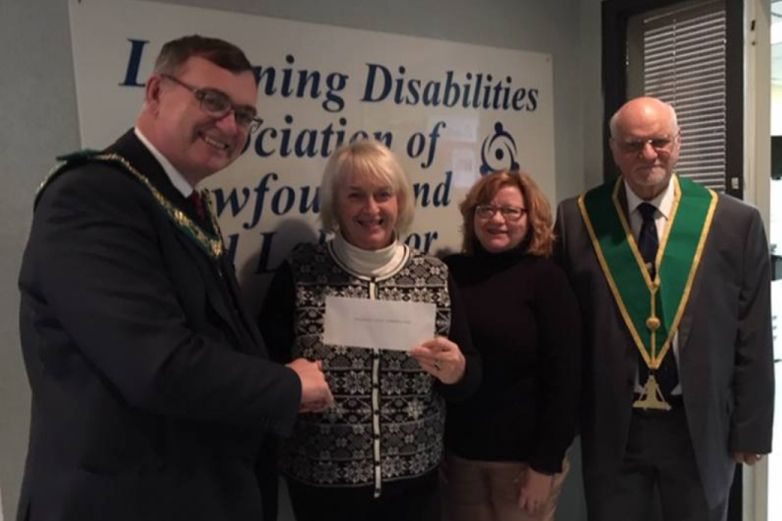 Canada - Masons lend hand to Learning Disabilities Association