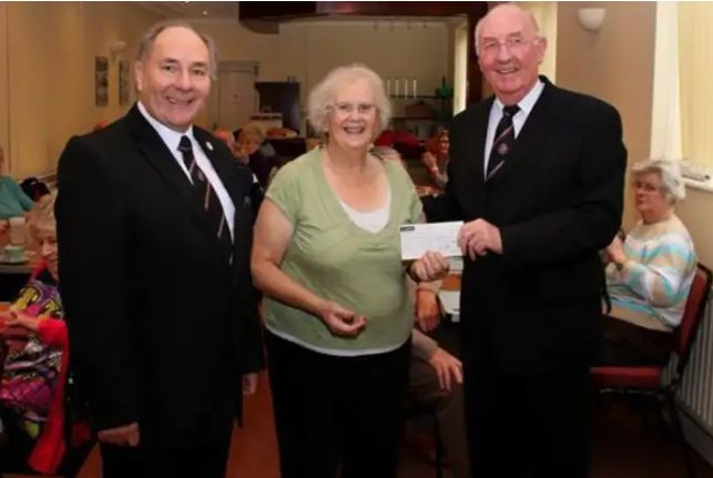 England - Freemasons donate £1,500 to causes