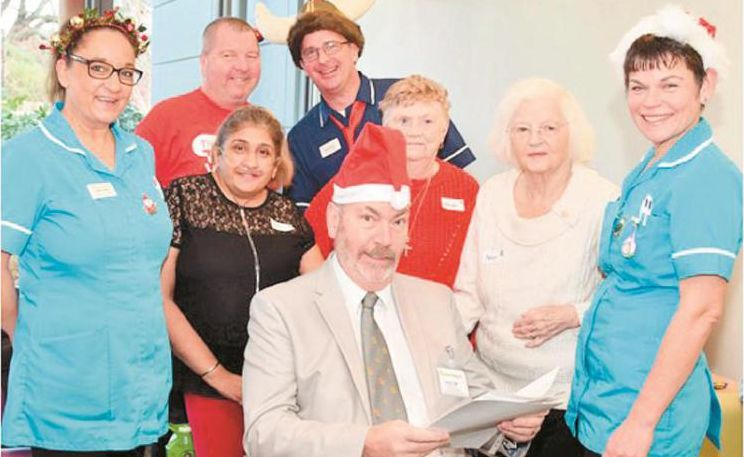 England - Berkshire Freemasons donates money to Thames Hospice