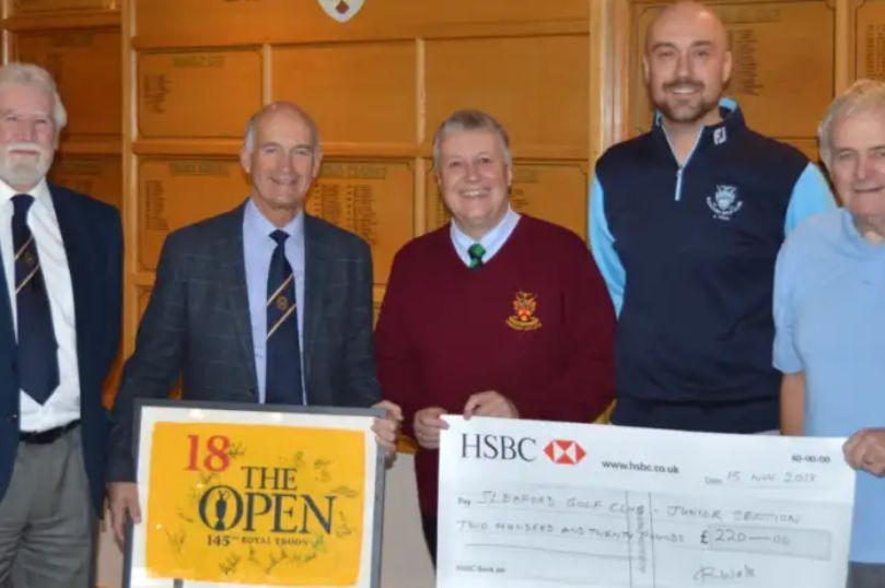 England - Freemasons help young golfers