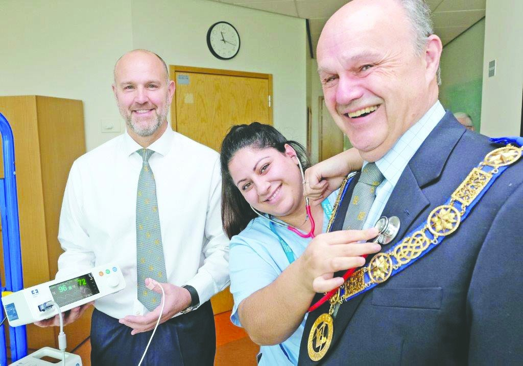 England - Masons donate medical monitors to children's ward