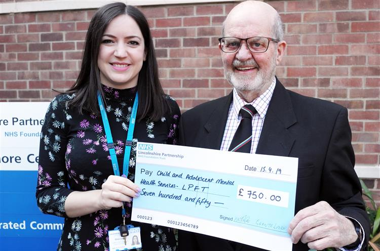 England - Freemasons' donation to help Grantham youngsters with mental health issues
