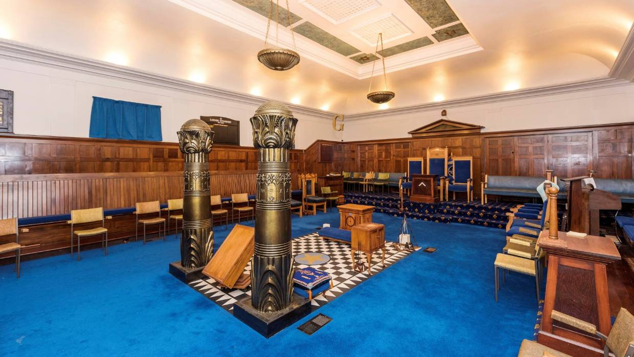 New Zealand - Spacious Freemason lodges 'well suited to church groups or funeral business'