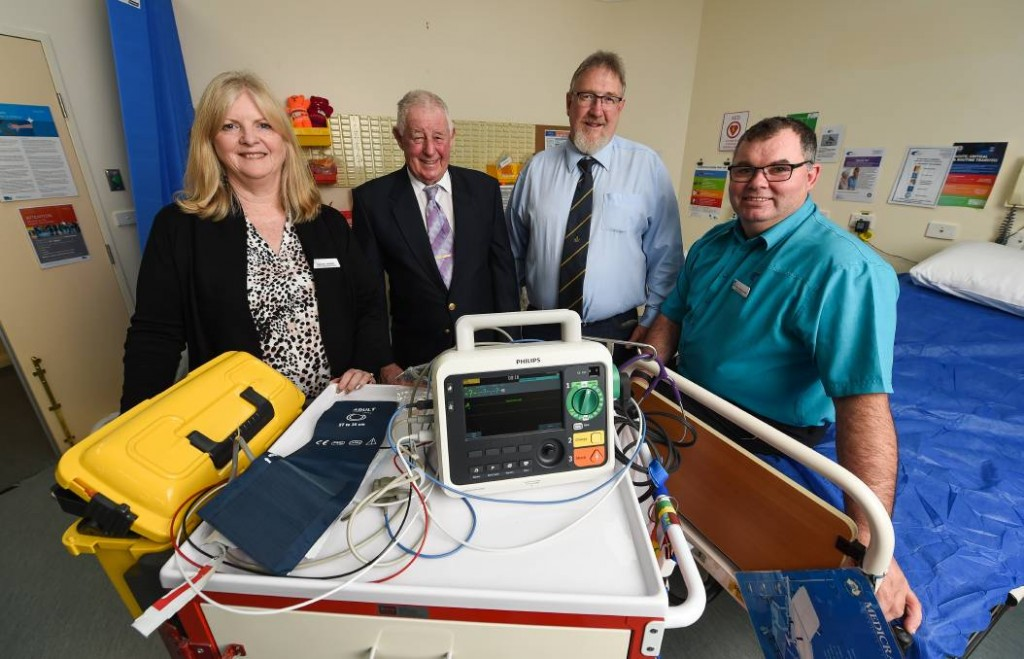 Australia - $16,000 defibrillator from Freemasons