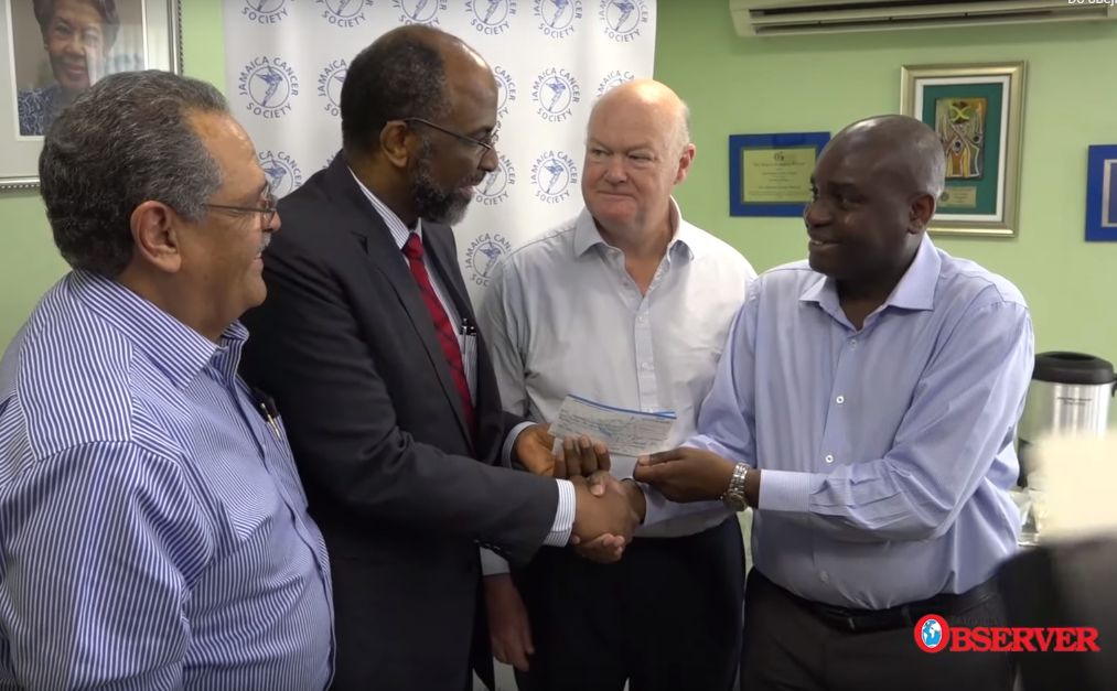 Jamaica - Freemasons make donations to Cancer Society