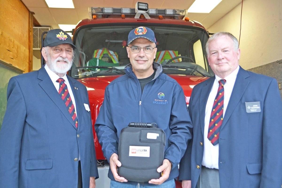 Canada - Freemasons donate cardiac defibrillator