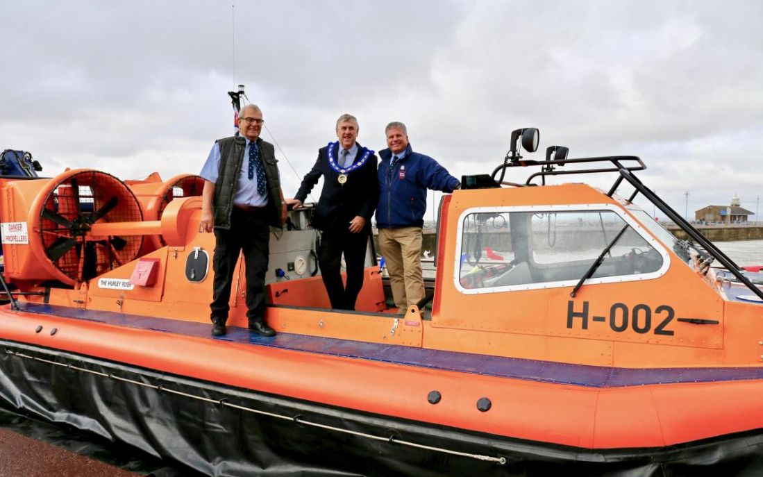 England - Freemasons say thanks to former Queen's Guide to the Sands Cedric Robinson and Morecambe RNLI