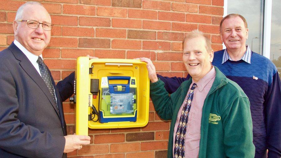 England - Freemasons donation brings 21 defibrillators into community