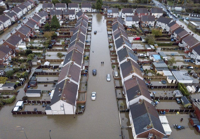 England - Freemasons donate £15,000 to help support victims of Doncaster floods