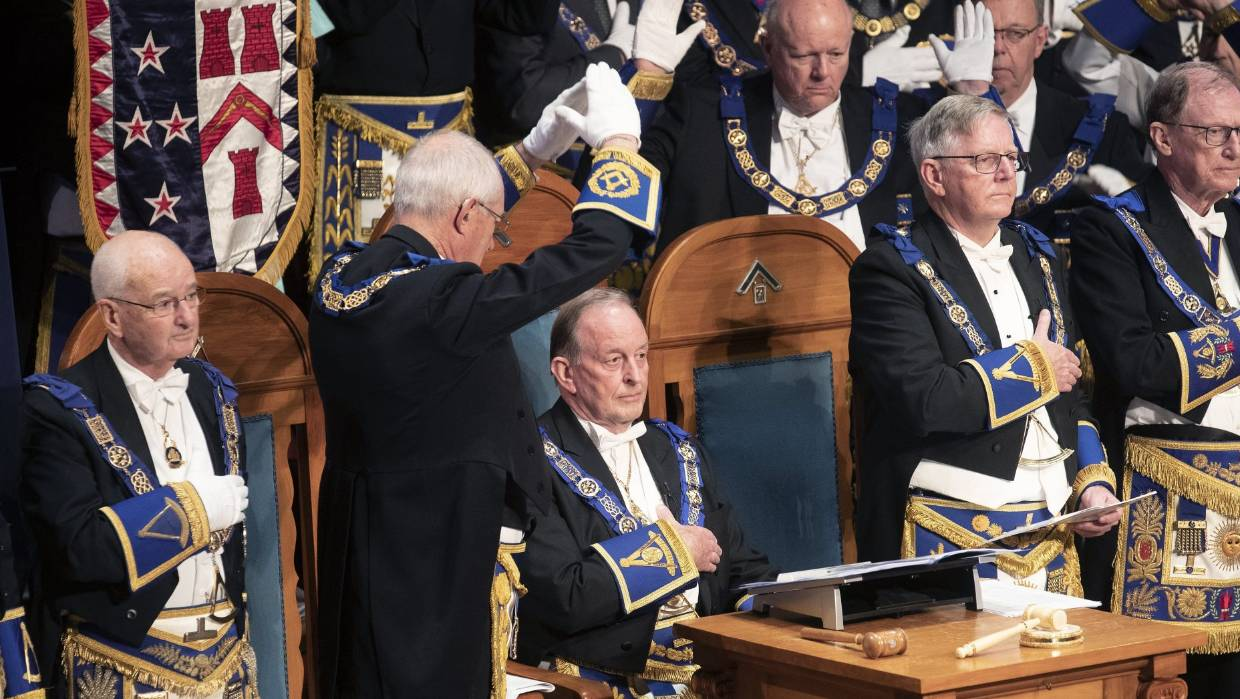 New Zealand - Freemasons welcome new grand master in quirky, traditional ceremony