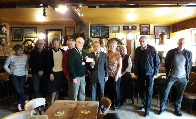 Isle of Wight - Freemasons have made a donation to the IW Myaware group