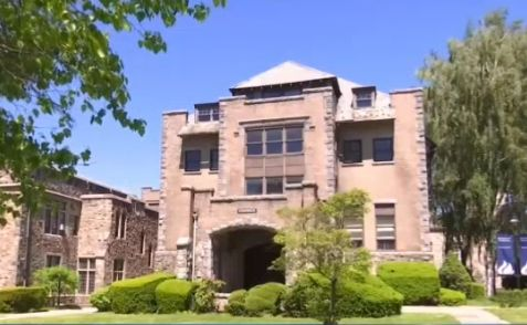 US - Freemasons Buy 115-Year-Old NY College in $32M Bankruptcy Deal (video)