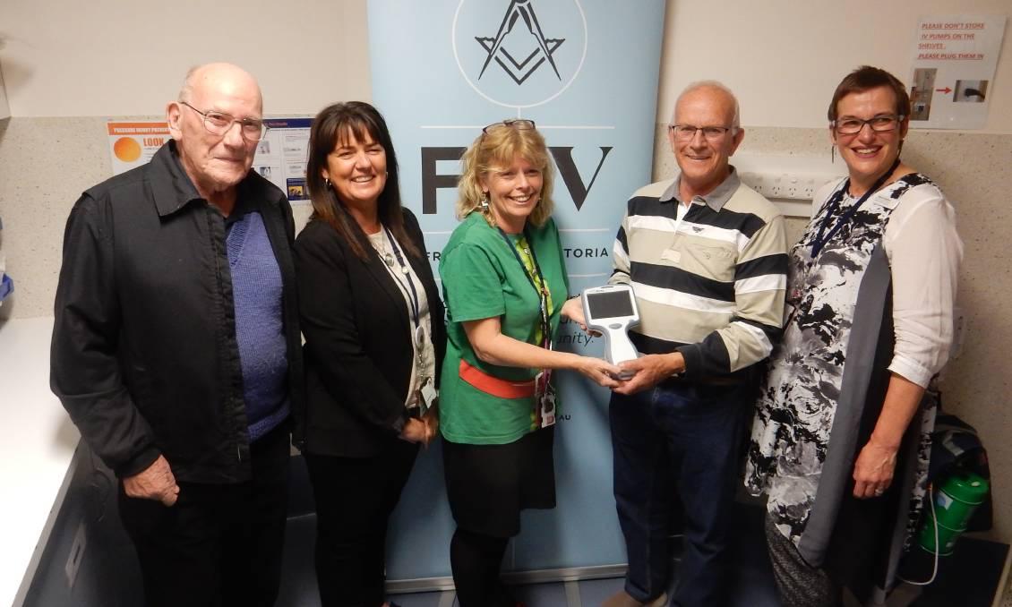 Australia - Ballarat Freemasons donate $10,000 blood gas machine to Ballarat Health Service's maternity unit
