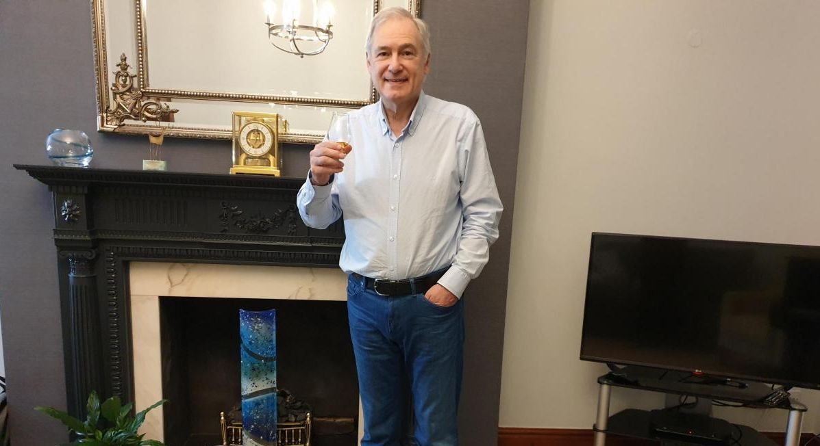 England - Cheshire Freemasons raise a glass to those working in the NHS