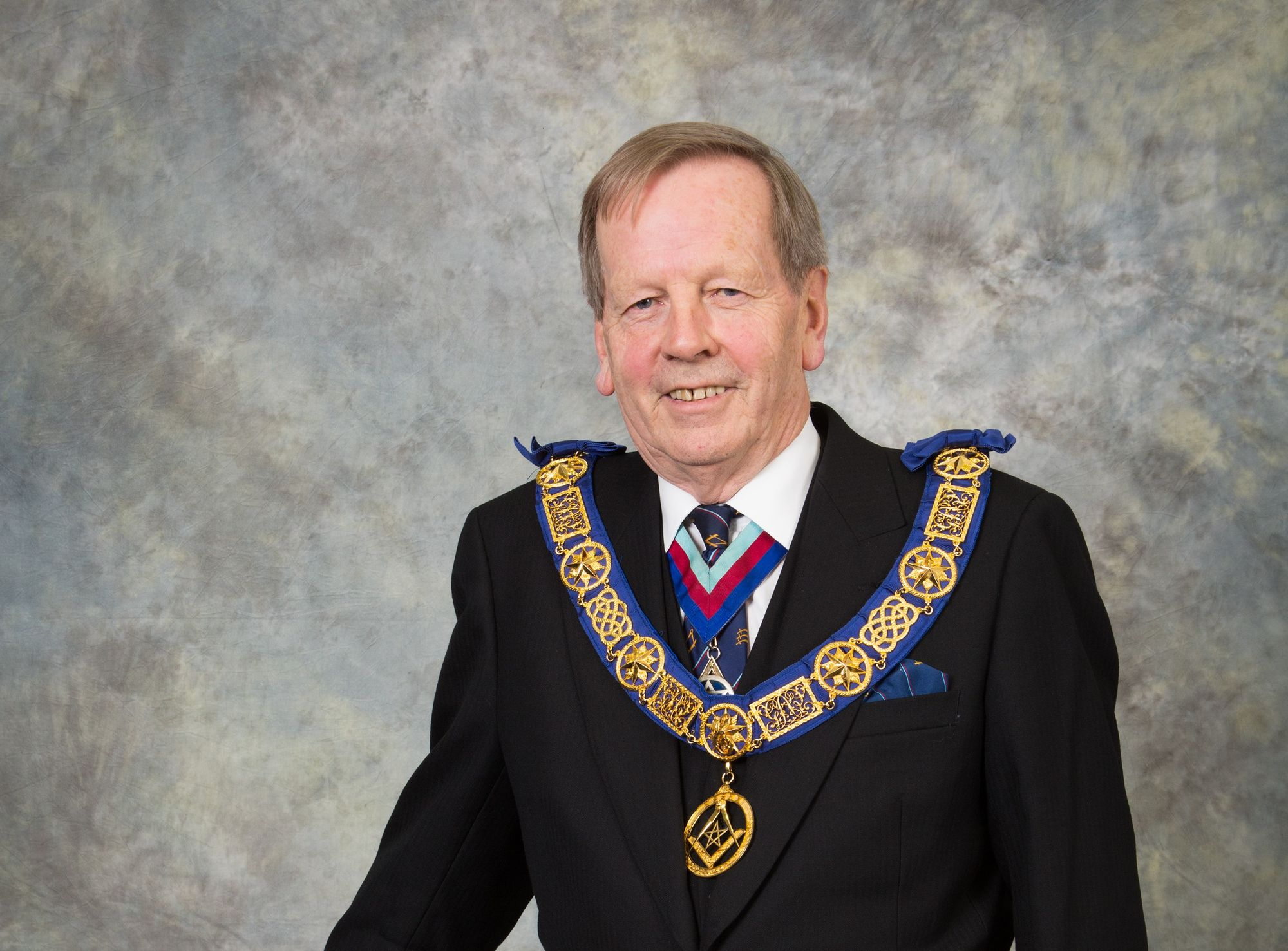 England - Essex Freemasons support local charities hit by Covid-19