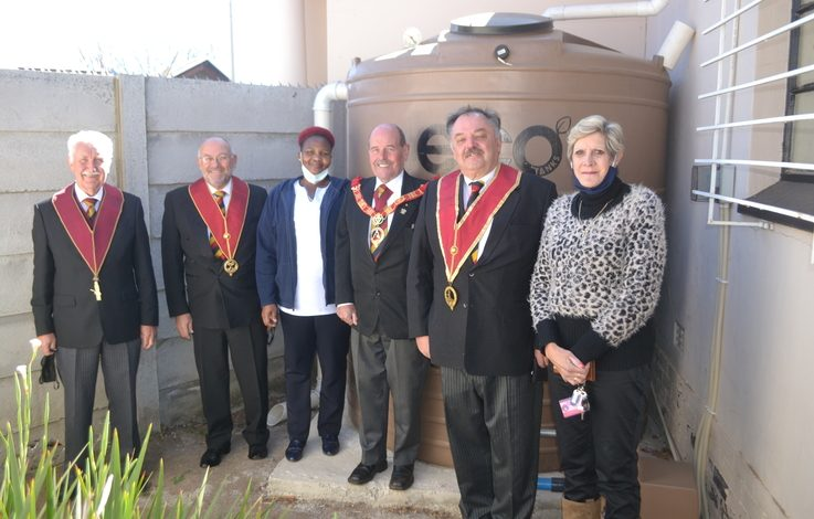 England - Freemasons give back to care centre