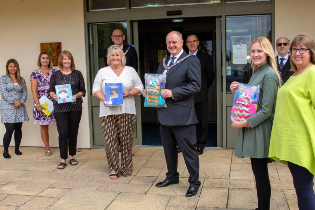England - Freemasons in Essex donate £10,000 to support bereaved children and their families