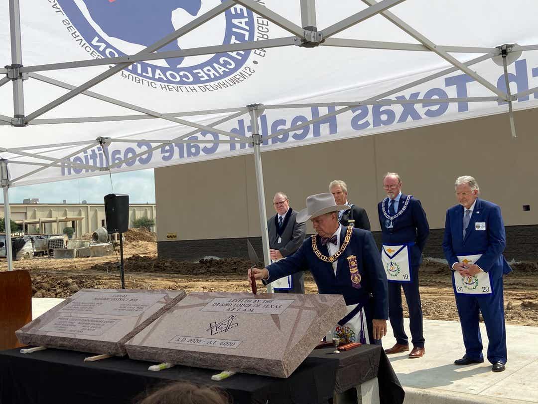 US/Texas - Masons conduct cornerstone setting for new LEC