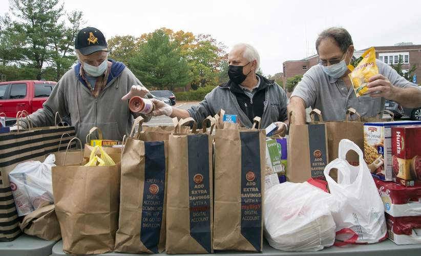 Connecticut/US - Corinthians Masonic Lodge #63 of North Haven Gives Back with Food Drive