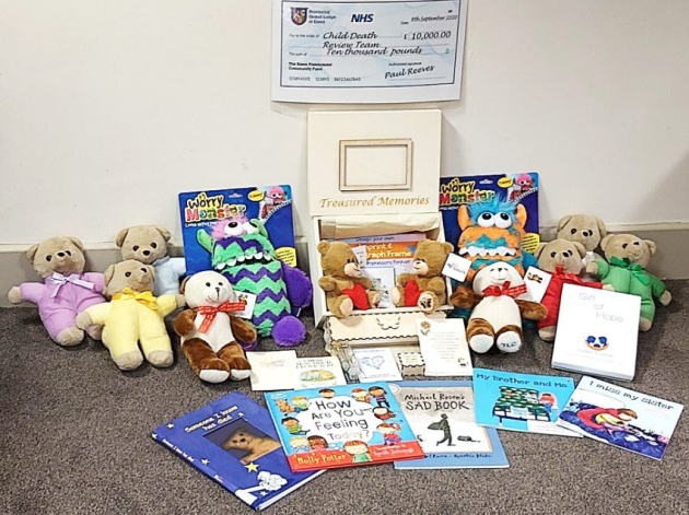 Essex/England - Freemasons donate £10,000 to support bereaved families