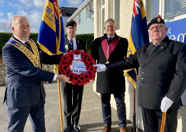 England - Sussex Freemasons make £10,000 donation to the Poppy Appeal