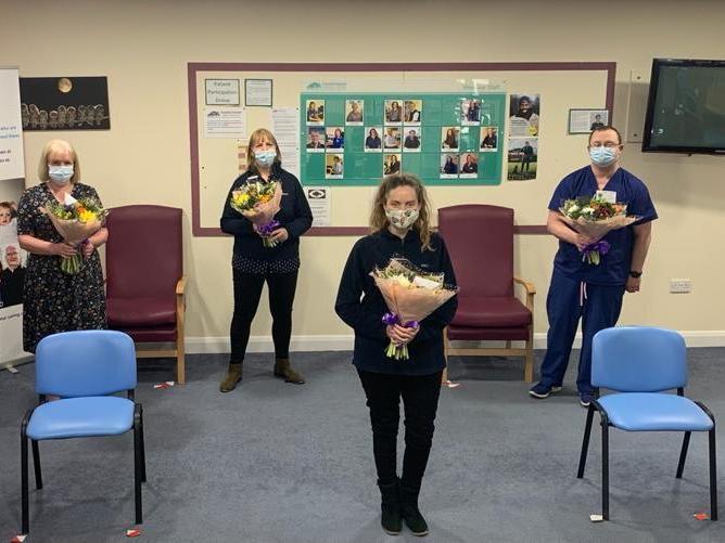 England - Haddenham Freemasons share the love with Aylesbury Vale covid heroes and heroines