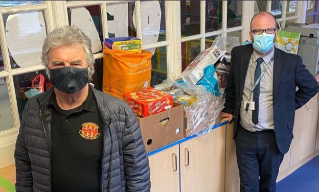 Northumberland/England - Freemasons donate to Bedlington foodbank