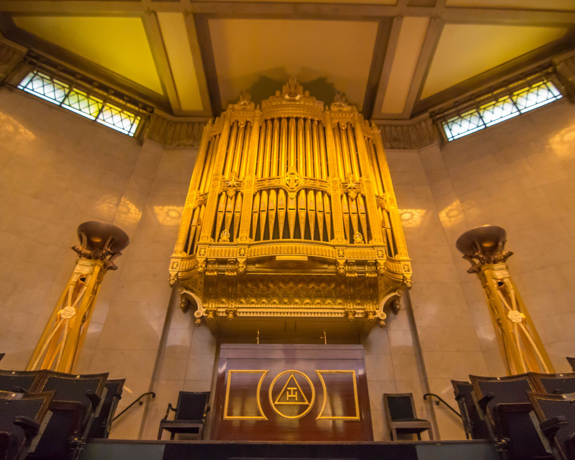 Enjoy Freemason's organ concert from your own home