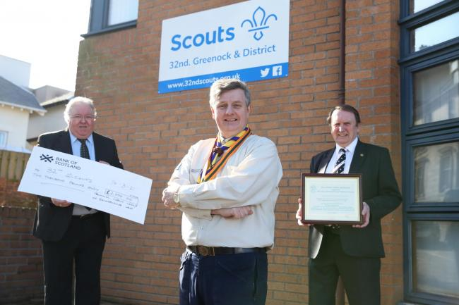 Scotland - Freemasons in £2,000 donation to the 32nd Scouts in Greenock