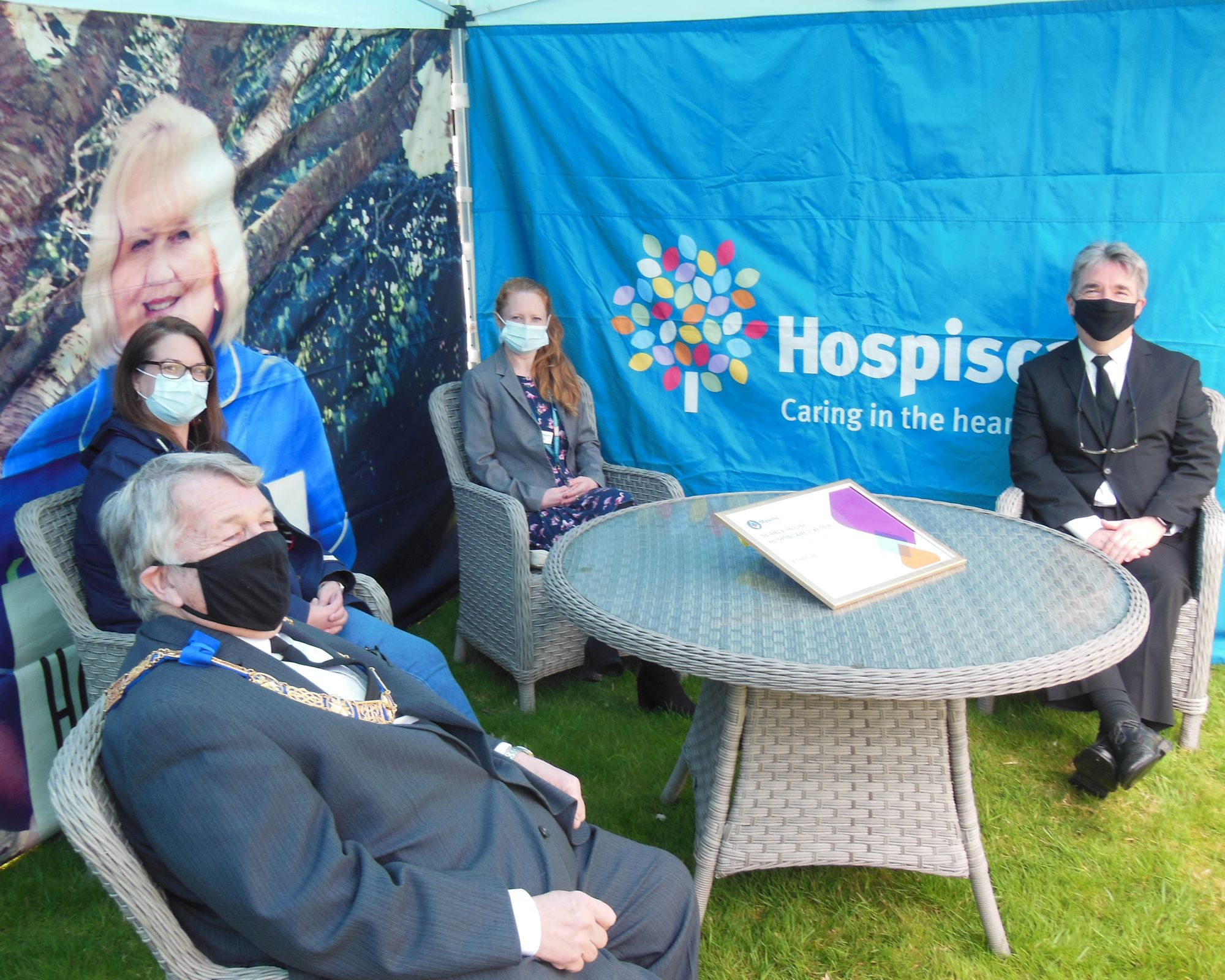 UGLE: Freemasons donate £1,660 to Hospiscare's Searle House