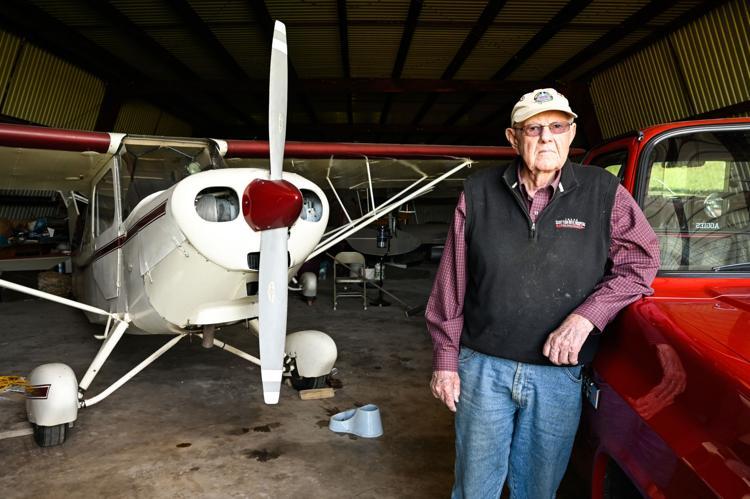 Kentucky, U.S. - Krum resident to get award for 70 years as Freemason