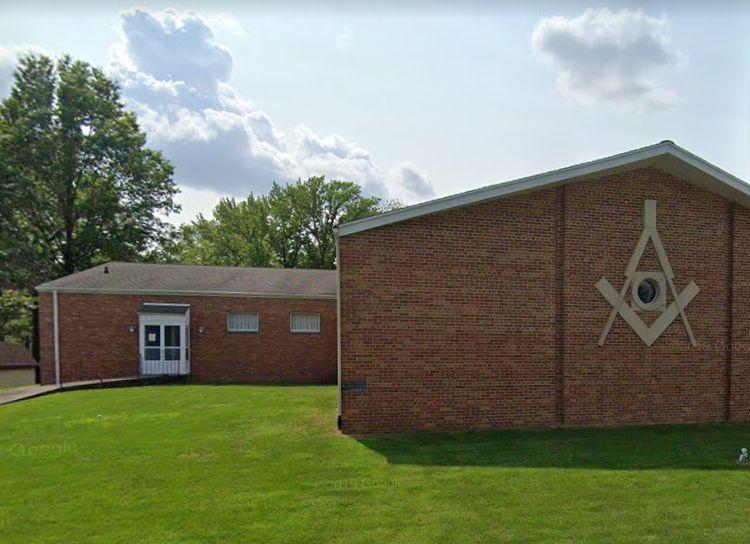 Indiana, U.S. - Line Masonic Lodge awards scholarships