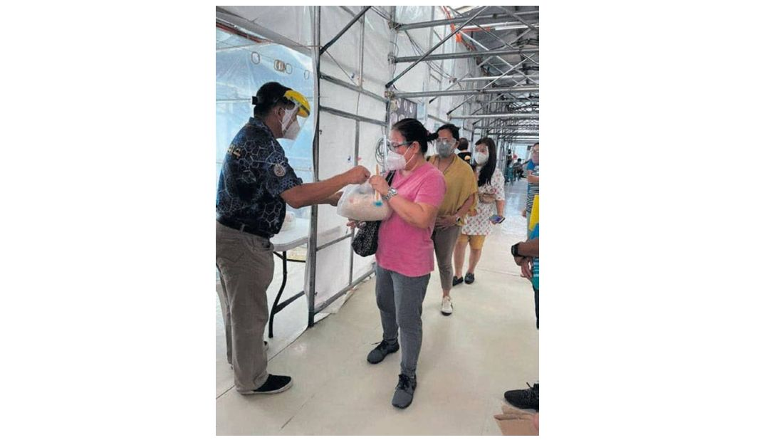Philippines - Freemasons provide grocery packs to 515 Muntinlupa residents vaccinated