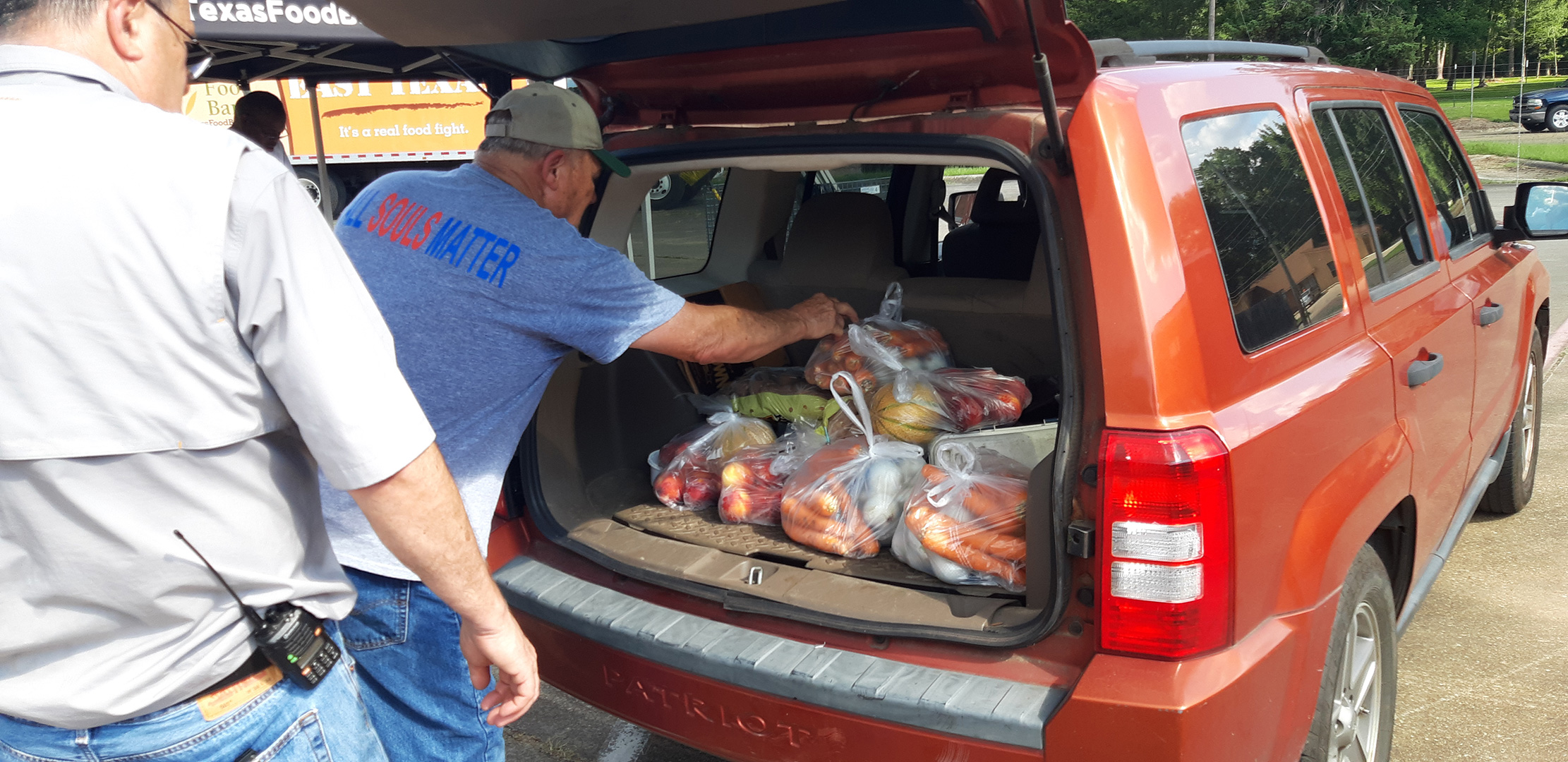 U.S. - Nash, Texas, charity distributes food Thursday at Masonic Lodge