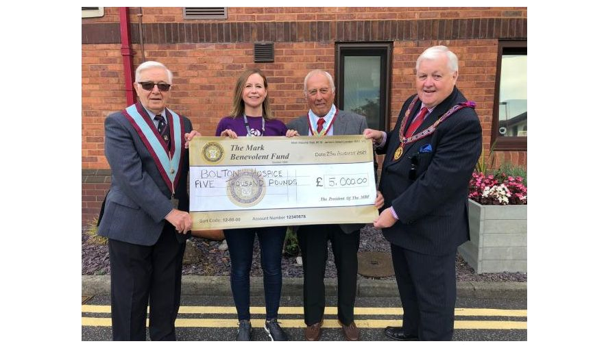 East Lancashire/England - Freemason's £5k boost to support vital work for Bolton Hospice