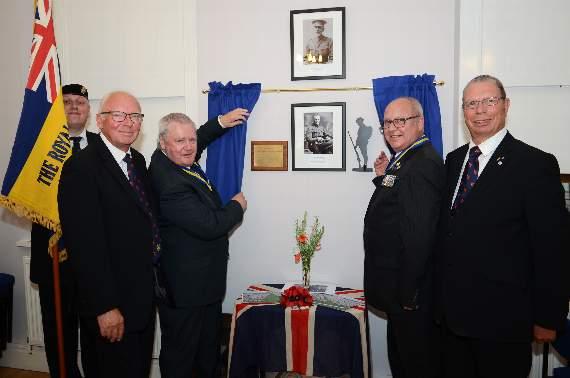 Gloucestershire/England - Freemasons honour Brother Percy