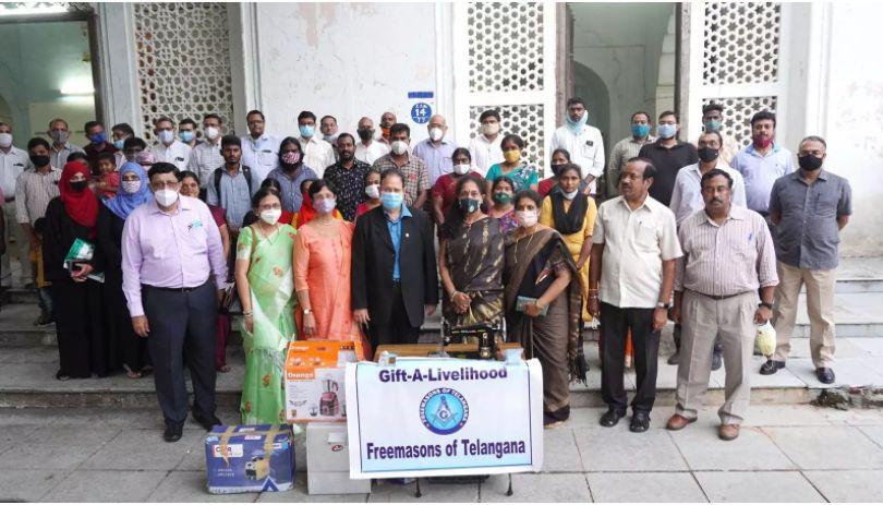 Hyderabad/India - Gift-a-Livelihood: TS Freemasons help 30 women, street vendors restart business lost during pandemic
