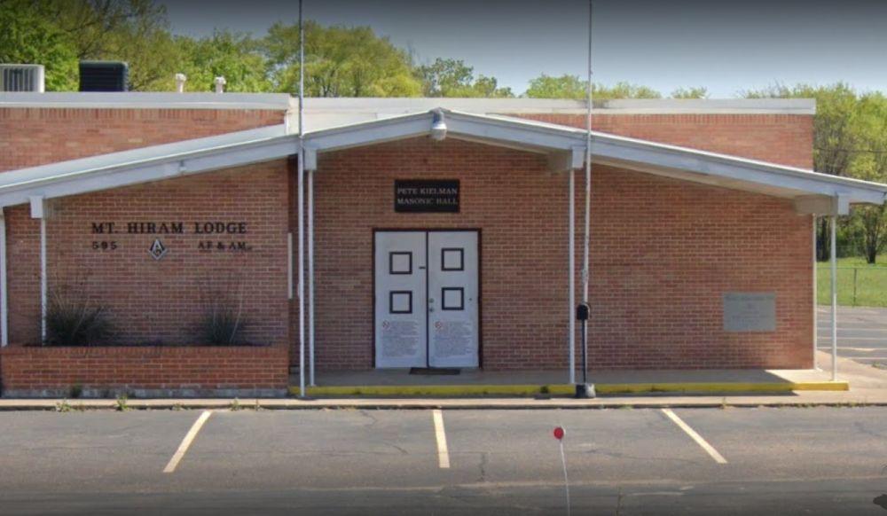 Texas/U.S. - Local Masonic lodge hosts ceremony to honor past masters
